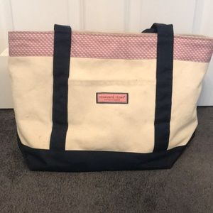 Vineyard Whale Classic Mini Tote